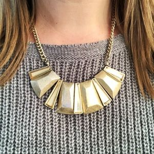 Jewelry - Gold geometric necklace with gem accents
